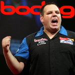 Adrian Lewis outpowers Phil Taylor to reach Bodog.com World Grand Prix final