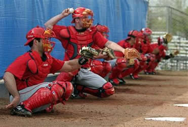 Pitchers and catchers report, Phillies bookmakers 2011 favourite