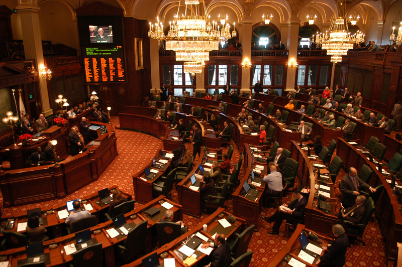 Illinois looks to gambling expansion to reduce debt