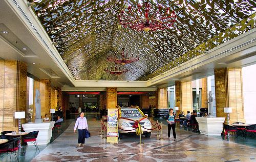 Cambodia casino grows; Bellagio thief pleads guilty