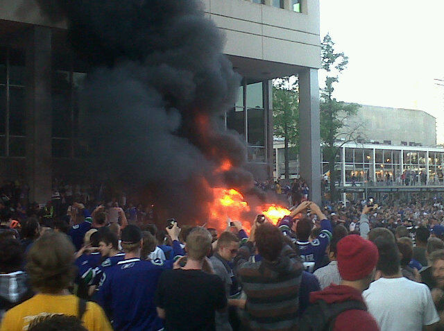 Bruins win Stanley Cup as Vancouver riots