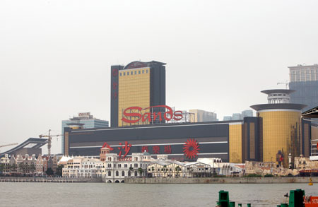 Sands China on top in Macau; Genting Singapore outlook bleak