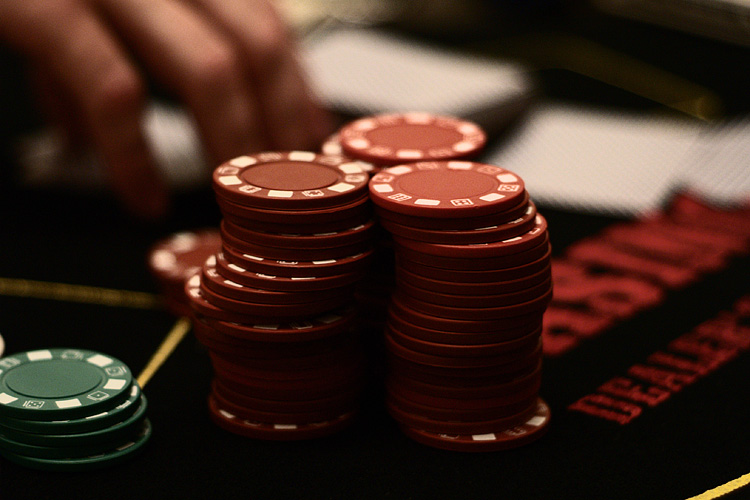 Poll shows Massachusetts residents want expanded gambling