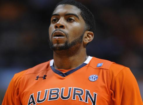 Auburn Tigers point guard accused of point shaving