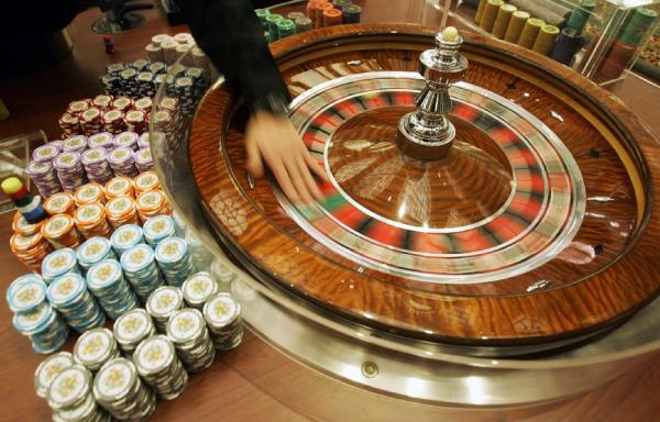 Mississippi casino approved; Louisiana revenues down in July; North Carolina offering live table games