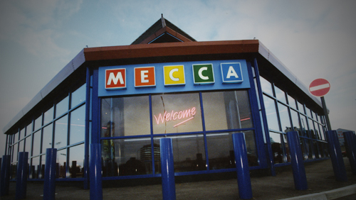 Mecca Try a Brave New World at Reading Bingo Hall