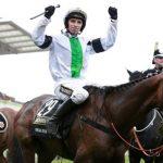 Pineau de Re wins the 2014 Crabbie's Grand National