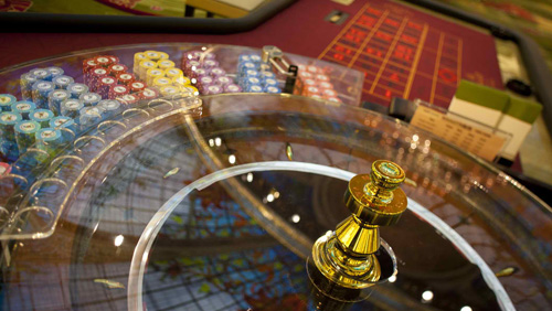 Macau beats expectations, still loses 0.4% GGR in March