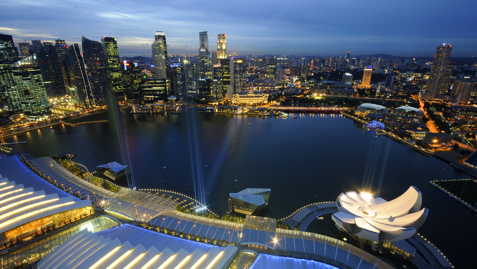 Las Vegas Sands picks up billions in loans for Singapore expansion
