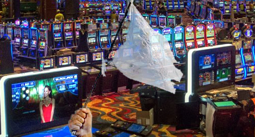 Mass. oldest and newest casinos struggle, Connecticut stops slide