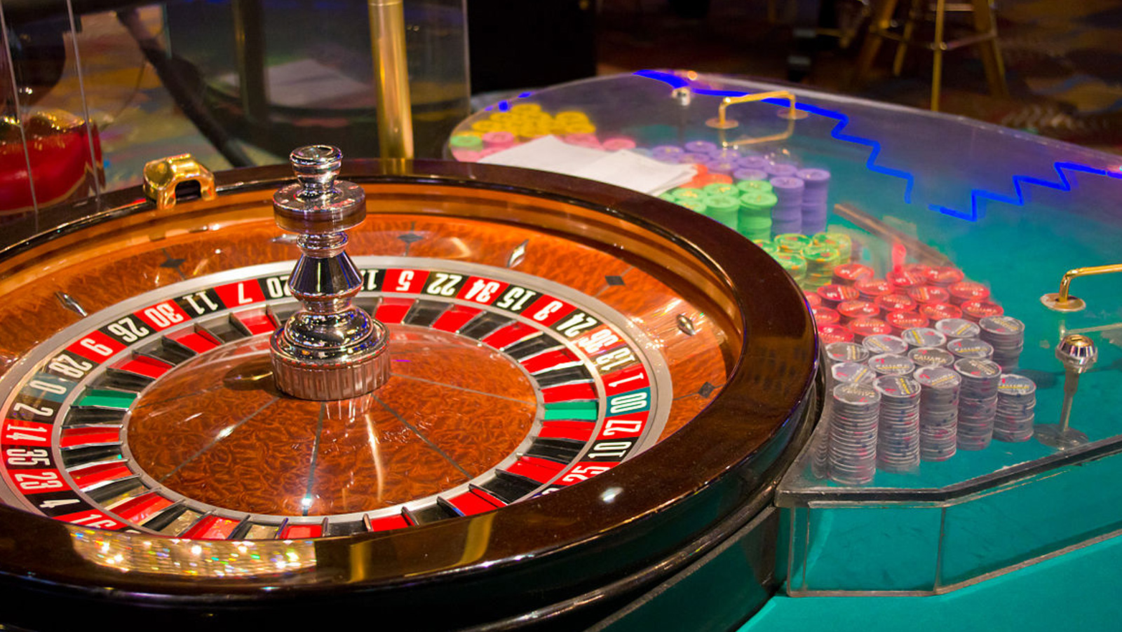 Lower slot machine payouts hurting sales according to game makers