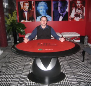 Poker news, Eric Hansel with an eco friendly poker table