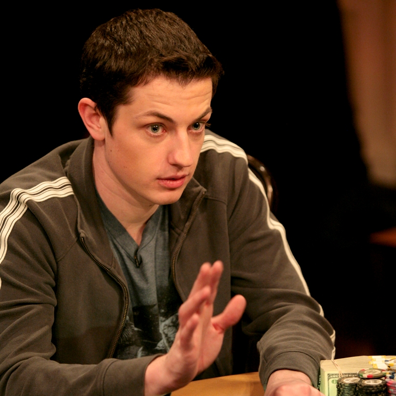 Tom Dwan lays bets on himself to win a WSOP bracelet