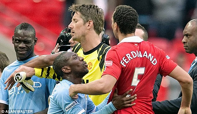 Mario Balotelli winds up Rio Ferdinand