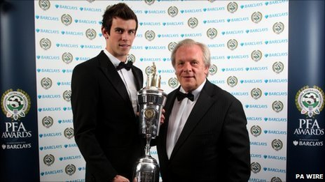 Gareth Bale receives his award