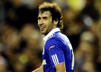 Schalke forward Raul