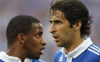 Schalke forwards Raul and Jefferson Farfan