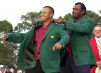 Tiger Woods accepts Masters green jacket