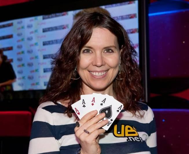 Annie Duke poker league