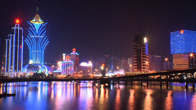 Macau six times quicker than Vegas; Public revenue from gaming increases