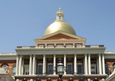 Critics shout down Massachusetts gambling expansion bill