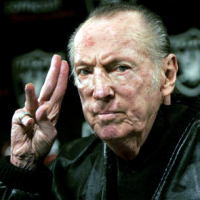 Oakland Raiders owner Al Davis dies at age 82
