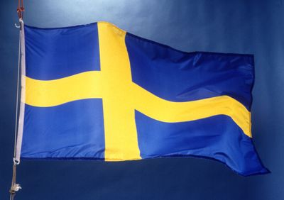 Sweden may not regulate before 2014; Gioco brings live dealer to Italy; Zukido launches new mobile platform