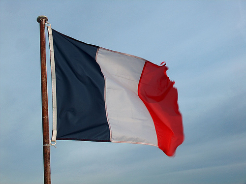 France welcomes back Unibet; Bids adieu to Intralot; France Pari to the rescue