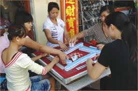 Laos ends gambling on Chinese border