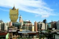 MGM Resorts International boss endorses Hillary Clinton