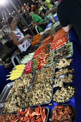 Midnight at Mercado Manila with common Filipino street foods