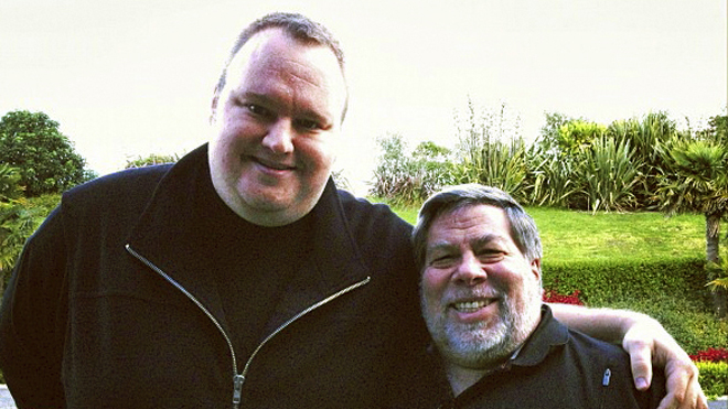 Apple co founder Wozniak meets Kim Dotcom and voices support