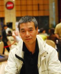 richard zhu leads final table 2012 apt macau