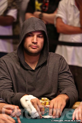 WSOP Recap: Canada Now Owns 23% of This Years Bracelets After Wins by Justin Oliver and Daniel Idema