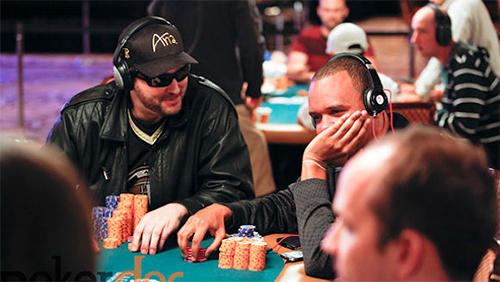 WSOP Main Event Recap Day 2C: Mark Kroon Trying to go Wire-to-Wire; Hellmuth and Ivey Advance