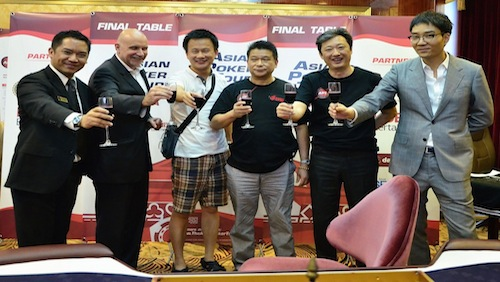Lifeng Shen takes down Johnny Chan to win APT Korea 2013