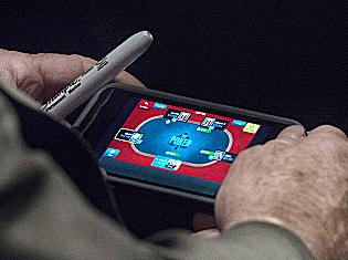 mccain-vip-poker.jpg