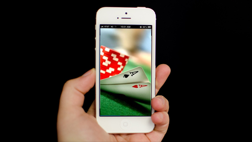 iPhone Poker Apps: 9 Poker Apps That Every Professional Poker Player Should Own