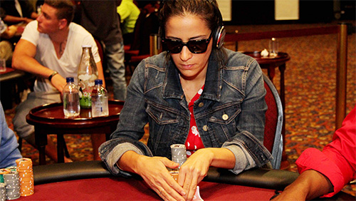 Ronit Chamani: A Female Perspective on Poker