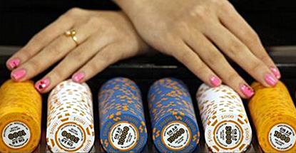 macau-casino-croupiers