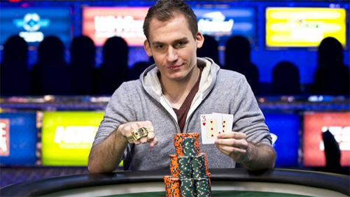 WSOP Day 9 Recap: Justin Bonomo Sheds the Bridesmaid Dress; Hellmuth Selling Himself on the Net and Much More