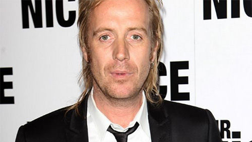 Rhys Ifans Takes a Seat in Charity Poker Tournament