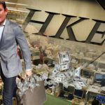 Melco Crown's last day of Hong Kong trading