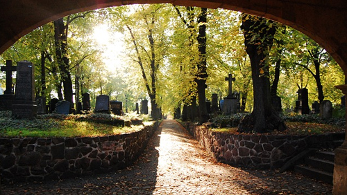 Tombstone Hold'em: The Poker Game Played in the Graveyard