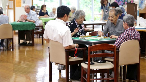 Vegas-style daycare gains popularity among Japan's silver crowd