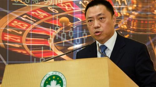 Lionel Leong backs Macau govt GGR forecast for 2016