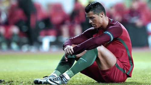 Champions League Review: Ronaldo Misses Out of Goalless Draw