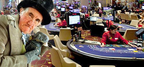 macau-casino-visitor-spending