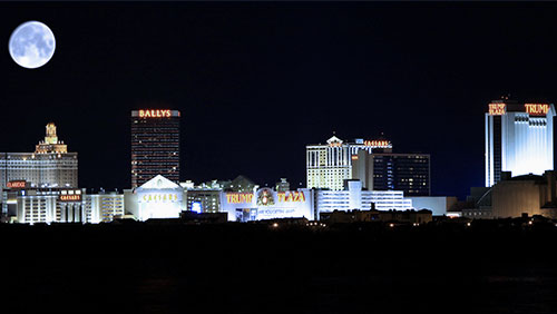 Fitch:  Closure of 4 Atlantic City casinos imminent if new ones open up in North NJ