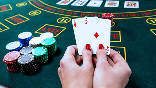 WSOP Review: Nail Salon Owner Hung Le Pulls Off a Shock in Crazy Eights